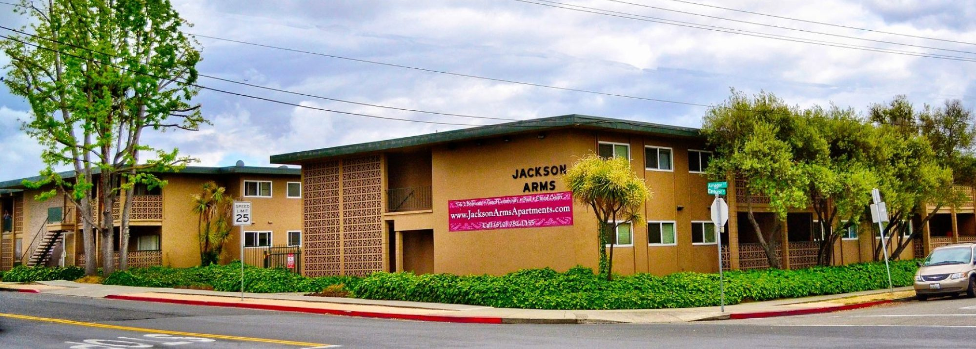 Jackson Arms Apartments